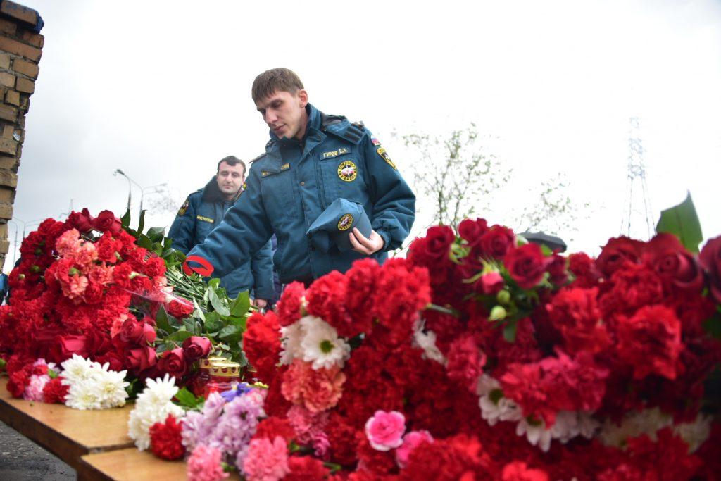 Счет помощи семьям пожарных, погибших на востоке Москвы, открыт для пожертвований