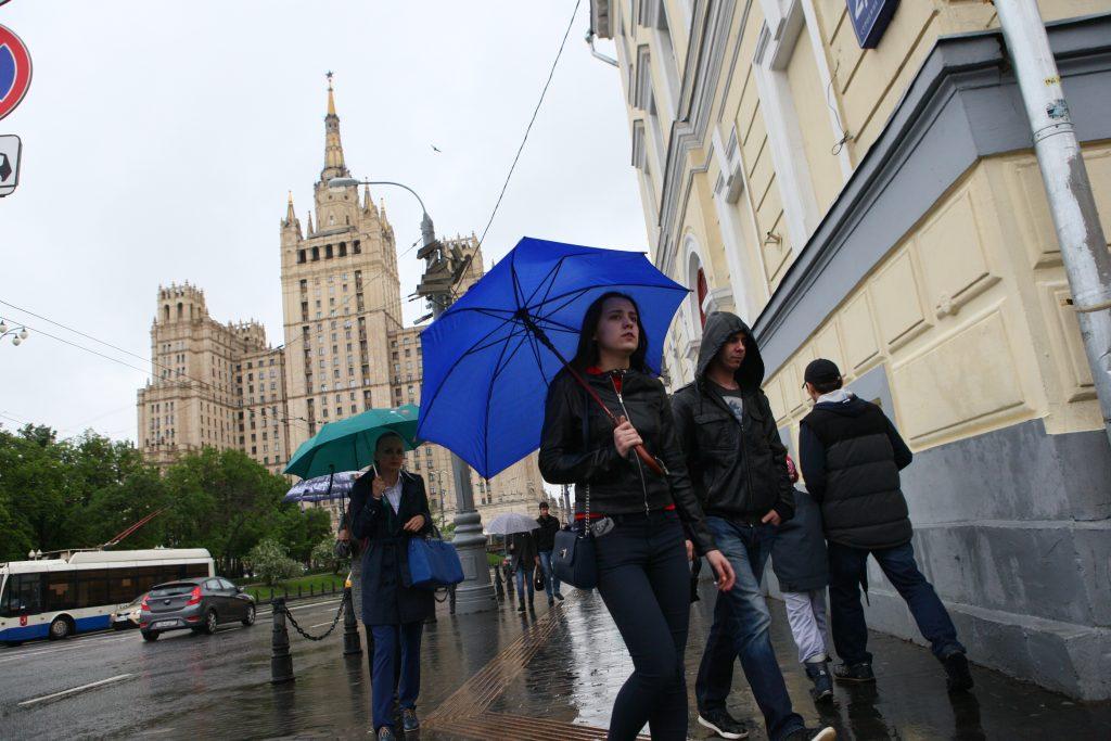 Во вторник москвичей ждет потепление и дождь
