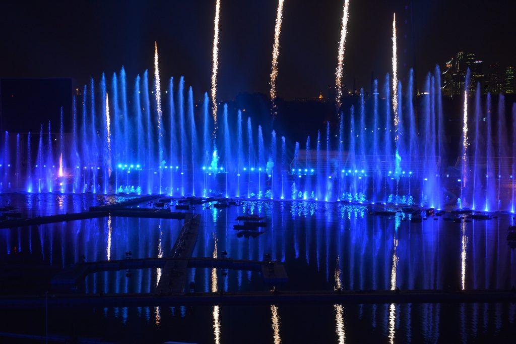 Москвичи увидели световое шоу