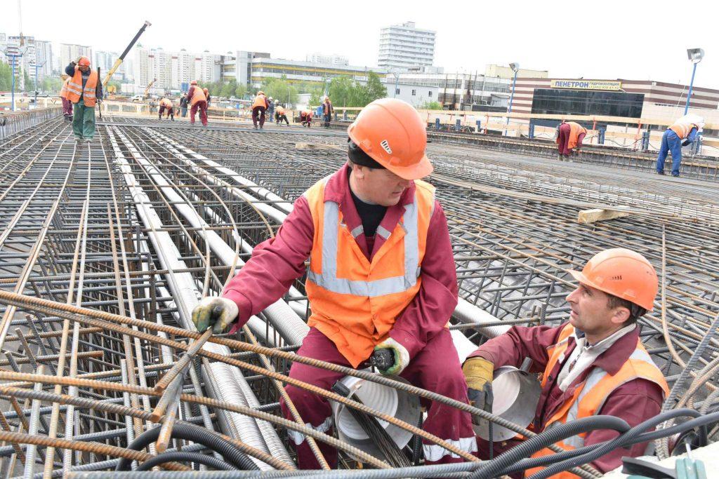 В Десеновском поселении завершили монтаж конструкций путепровода