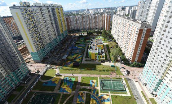16 августа 2016 Мэр Москвы Сергей Собянин осмотрел детский сад-новостройку в Митино