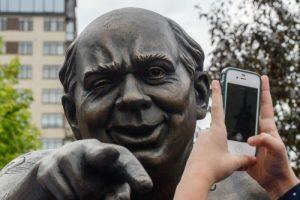 В Москве установили памятник Евгению Леонову. Фото: Евгений Одиноков/РИА