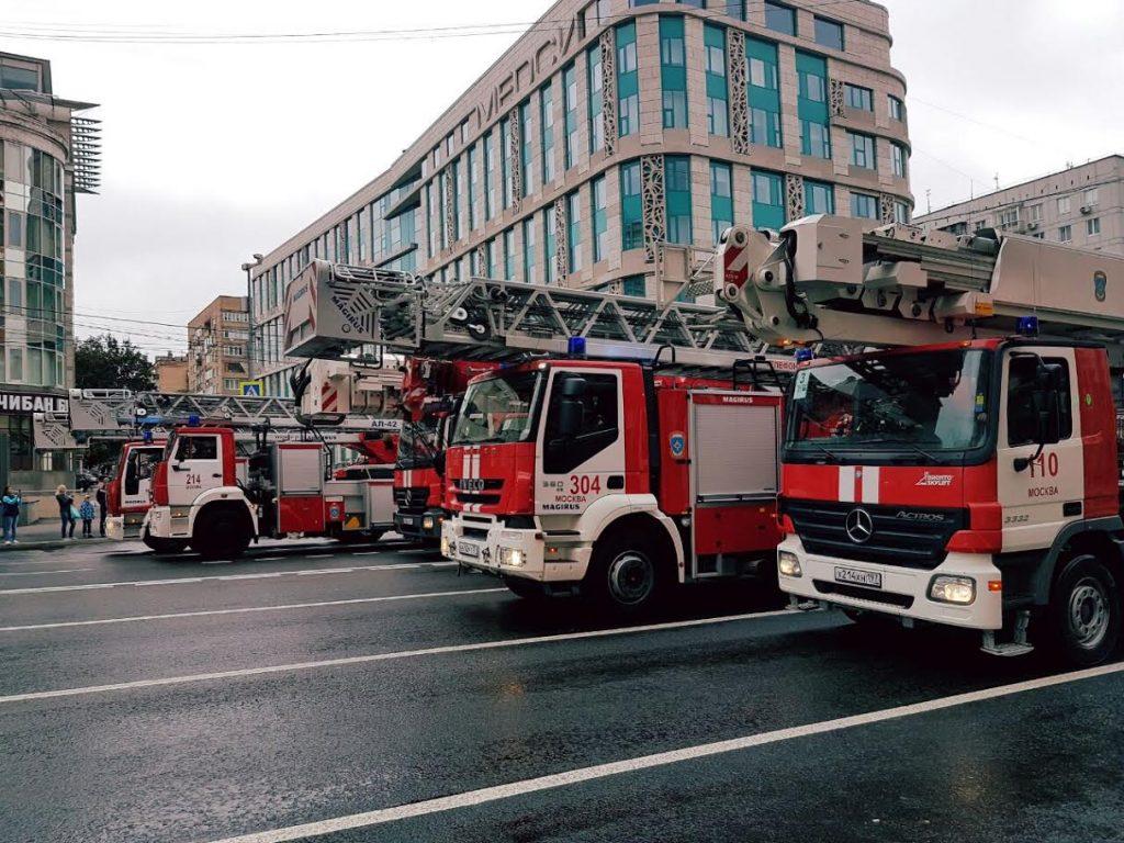 Пожарные расчеты Новой Москвы приняли участие в столичном параде техники