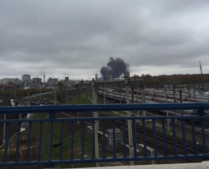 МЧС потушило горящую высотку на северо-востоке Москвы