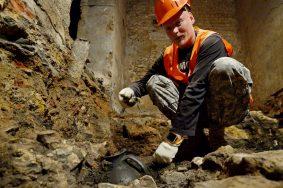 Археологические раскопки на Ильинке.