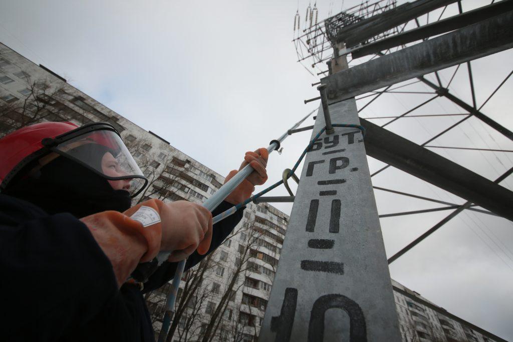 Ремонт более 600 километров воздушных линий электропередач провели в Москве. Фото: архив, «Вечерняя Москва»