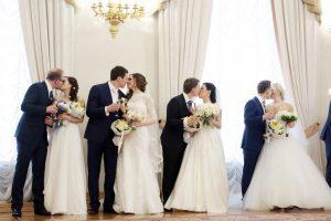 Дата: 18.04.2015, Время: 13:53 Торжественная церемония бракосочетания, приуроченная к празднику Красная горка, прошла в здании мэрии