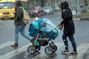 Дата: 08.10.2015, Время: 10:14 Первые снег в Москве.  Улица Лефортовский вал