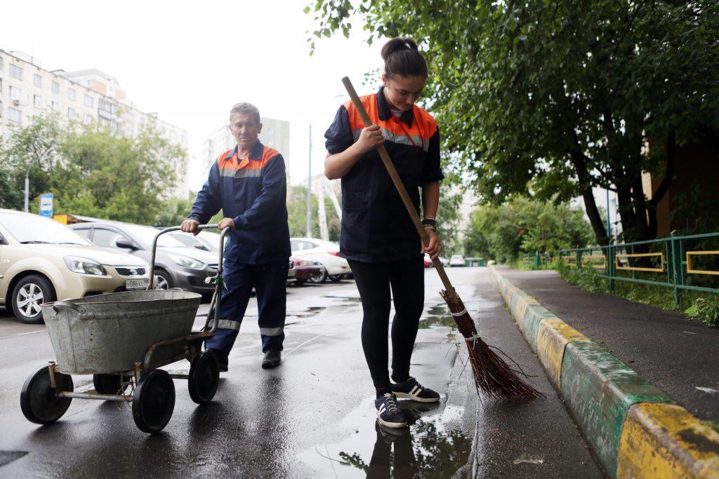 В Рязановском прошла чистка улично-дорожной сети