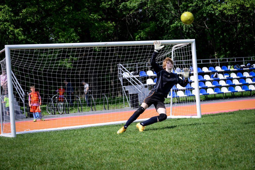 Сборная Новой Москвы по футболу сыграла заключительный матч спартакиады «Спорт для всех»