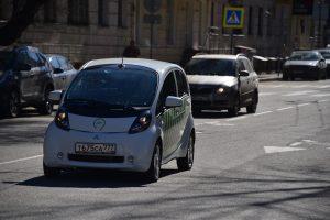 """Новостройки могут начать оснащать зарядками для электромобилей. Фото: архив, """"Вечерняя Москва"""""""