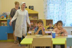 Сергей Собянин осматривает детский сад на Истринской улице.