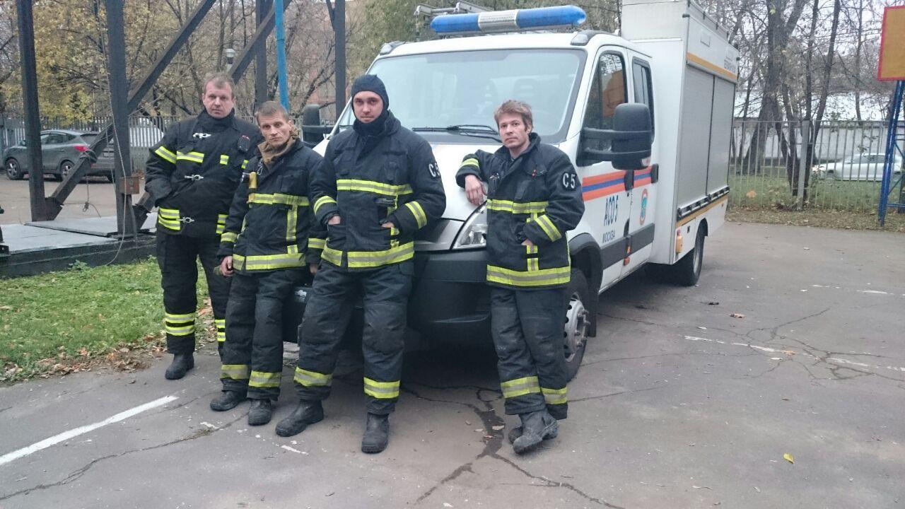 Жительница Москвы выразила свою благодарность спасателям