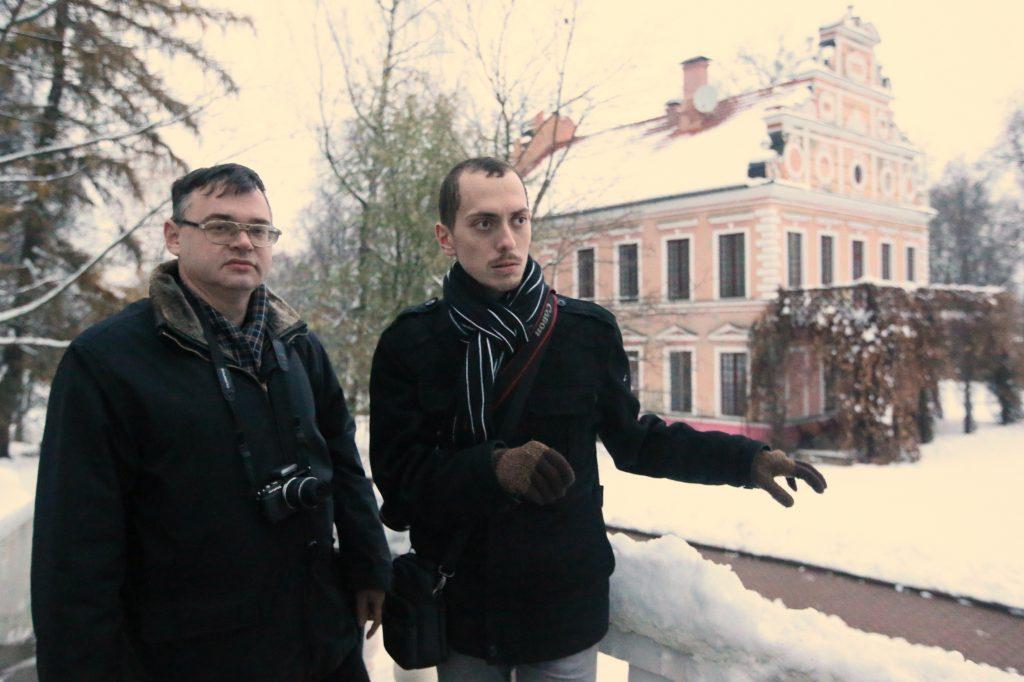 7 ноября 2016 года, Вороново. Михаил Коробко и Борис Бочарников (слева направо) считают, что стоит поискать, и сокровища Ростопчина увидят свет