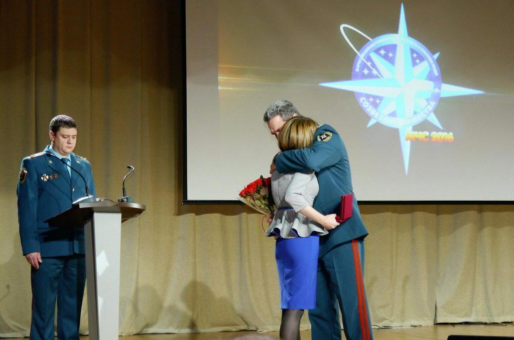 Семьям огнеборцев переданы Ордена Мужества