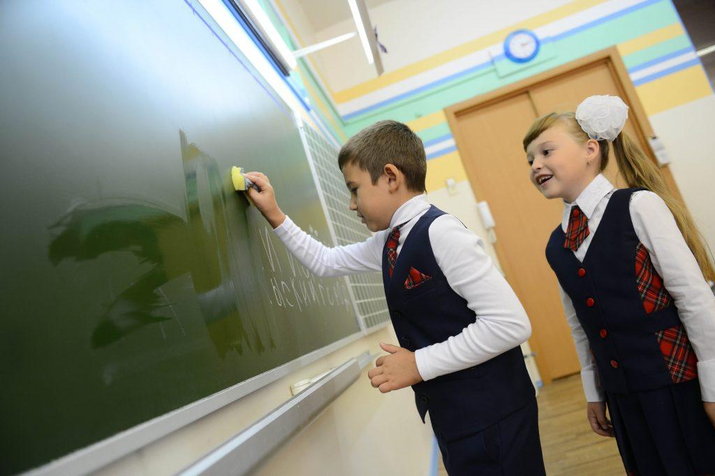 До конца 2017 года в поселке Знамя Октября реконструируют школу