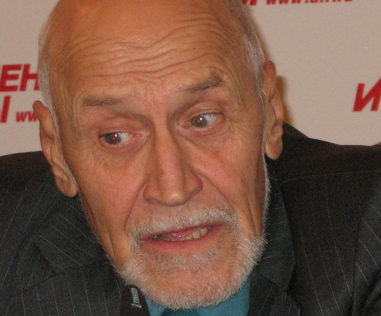 Ведущий Николай Дроздов сбил москвичку и пришел ей на помощь