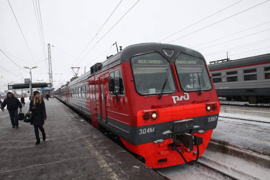 Наледь привела к сбоям в графике Московской железной дороги