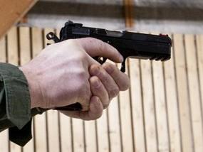 В центре Москвы пенсионер расстрелял соседа из газового пистолета, возбуждено дело