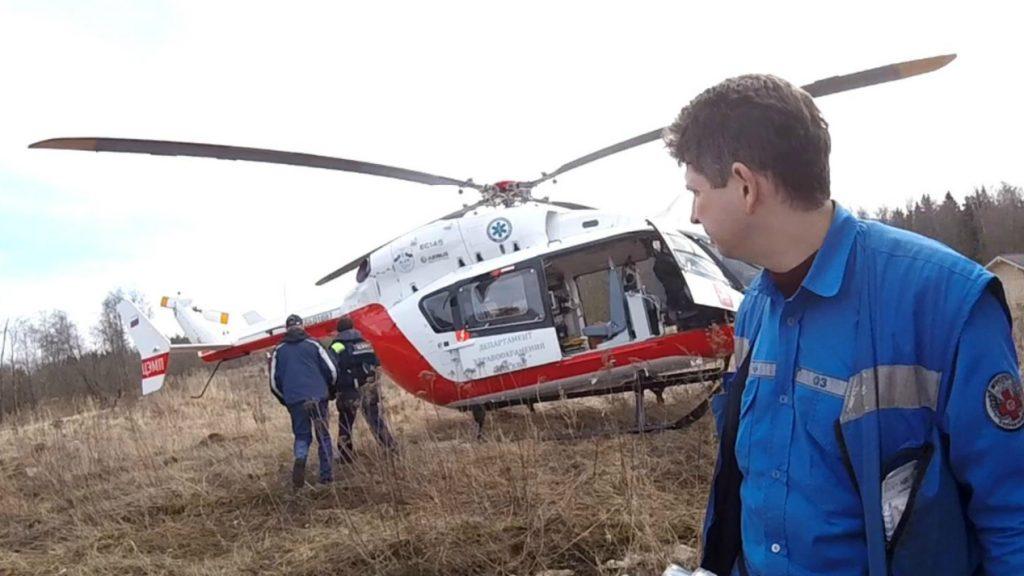 Пилоты начали тренировки по управлению вертолетом в тяжелых погодных условиях