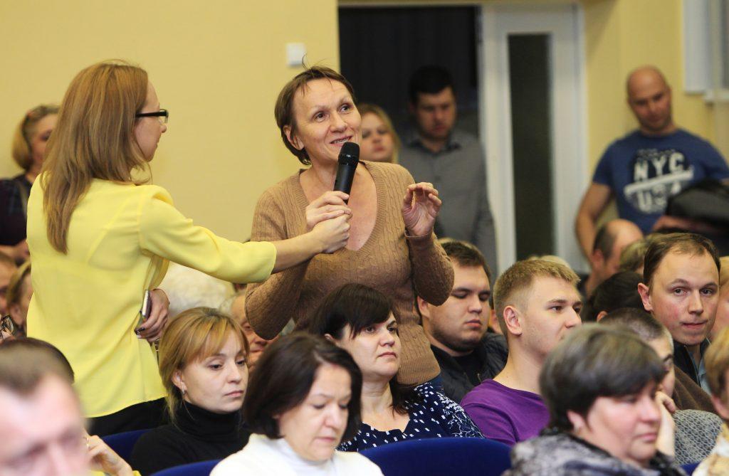Глава администрации Марушкинского обсудил с местными жителями подготовку поселения к зиме