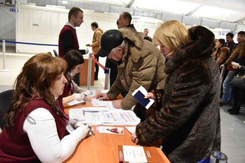 Миграционный центр в Сахарово выдал 800-тысячный патент на работу