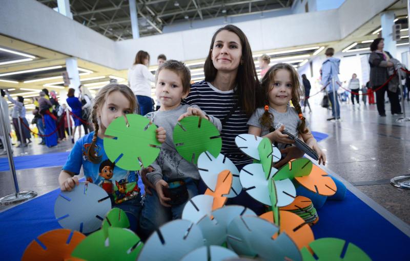 Около 9 миллиардов рублей на выплаты пособий малообеспеченным семьям было выделено в 2016 году