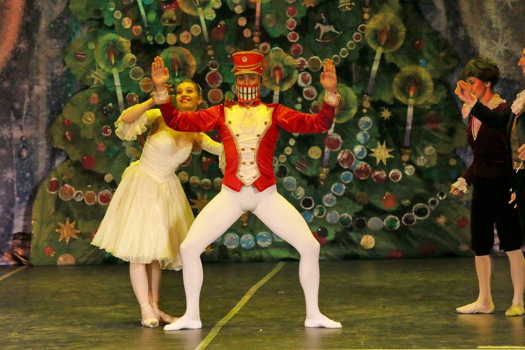 Танцы пришлось переделать ради большого балета