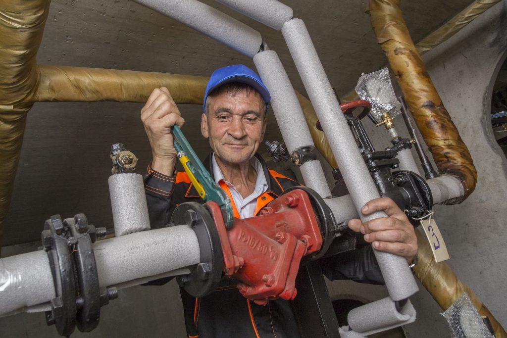 Сезонный осмотр отопительного оборудования в подвале дома в Марьино