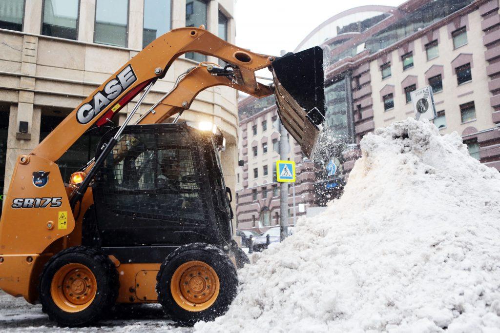 До 20 процентов месячной нормы снега выпало в Москве за одни сутки