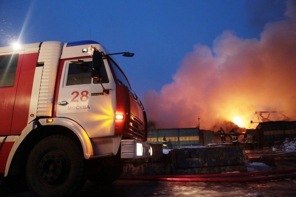 На московском складе потушен 200-метровый пожар
