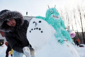 "Армия снеговиков не устрашится ни оттепели, ни нехватки снега. Фото: архив, ""Вечерняя Москва"""