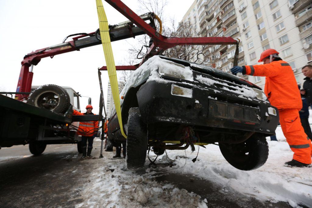 Москва решила не повышать цены на эвакуацию машин в 2017 году