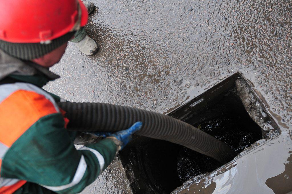 Администрация Щербинки приняли решение провести дренажные работы в нескольких зданиях