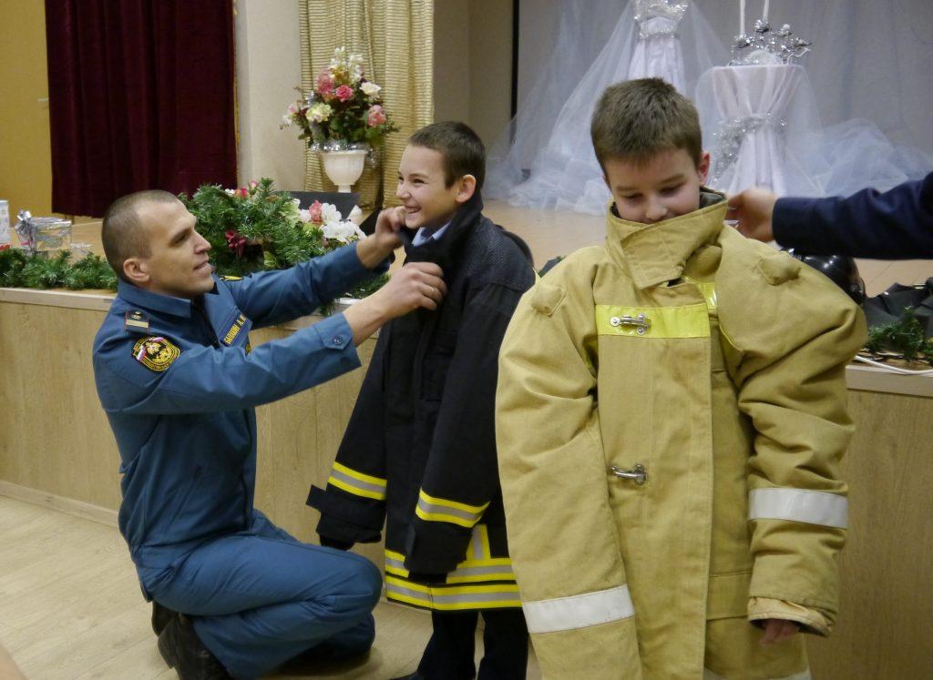 Уроки безопасности проведут спасатели в преддверии зимних праздников