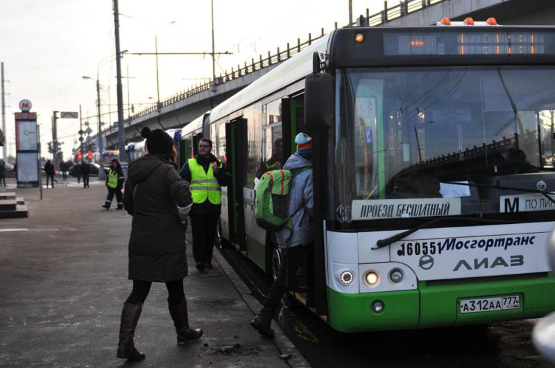 Автобусы №МЦ1 и № 1004 в праздники будут ходить по-новому расписанию