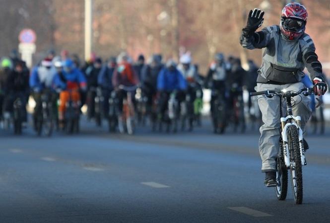 Сильный мороз не повлиял на проведение зимнего велопарада