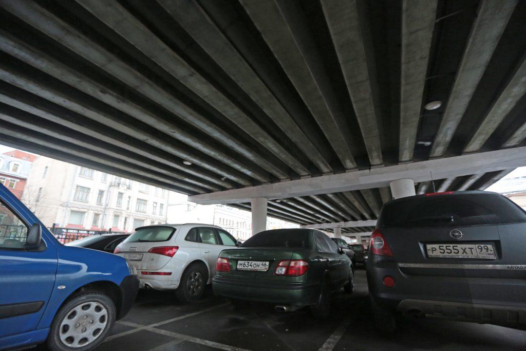 Около 1200 парковочных мест планируют обустроить в Троицке