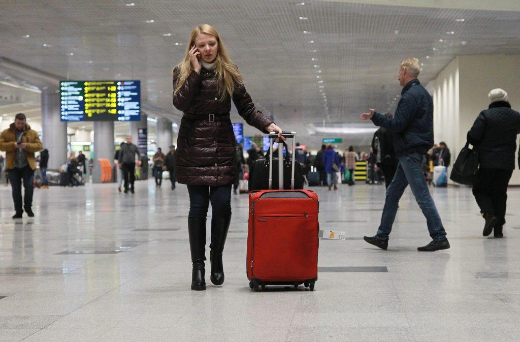 В аэропортах Москвы отменили авиарейсы