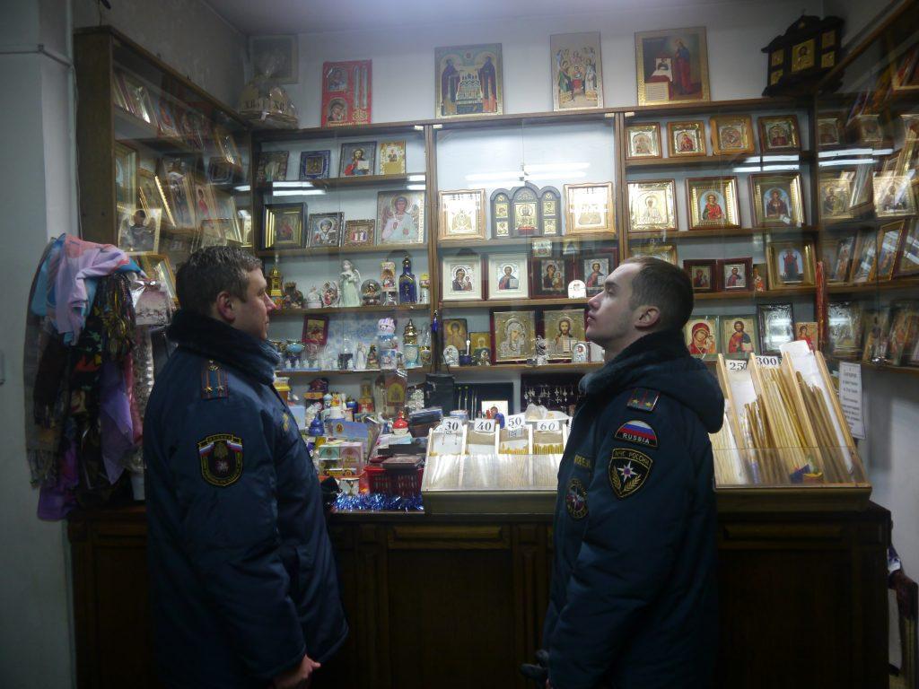 Спасатели обеспечивали безопасность в 50 храмах Новой Москвы