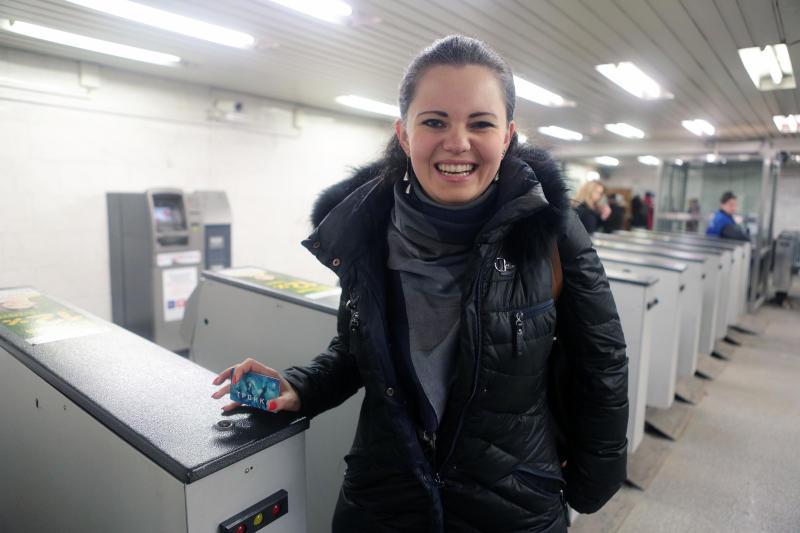 Пассажирам метро выдано 10,7 миллионов карт «Тройка»