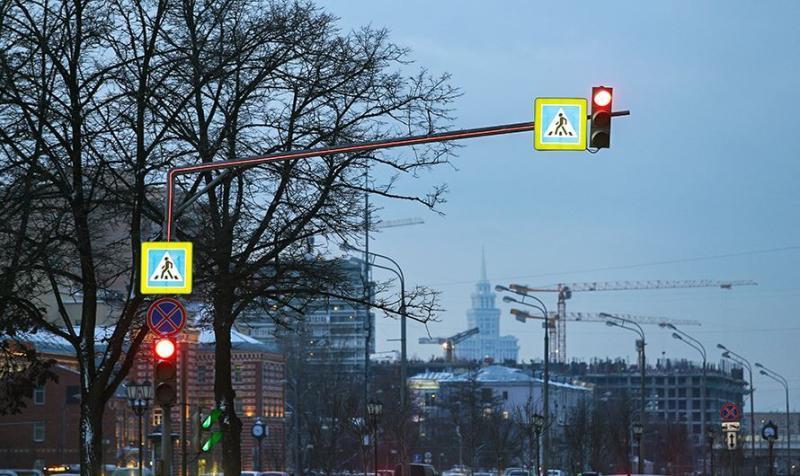 Инновационную подсветку установили на столичных пешеходных переходах
