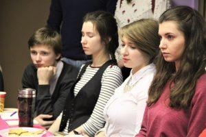 """Анастасия Пирогова представила проект """"Мамин патруль"""". Фото: официальная страница Молодежной палаты Троицка в социальной сети"""