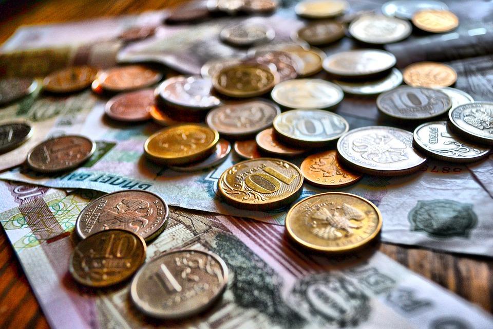 В случае отмены санкций курс рубля вырастет