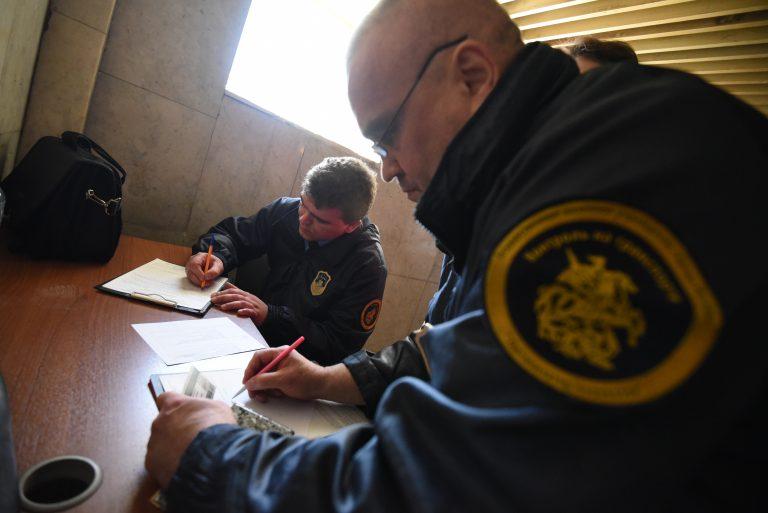 Автоматы и пистолеты изъяли у пассажира московского метро