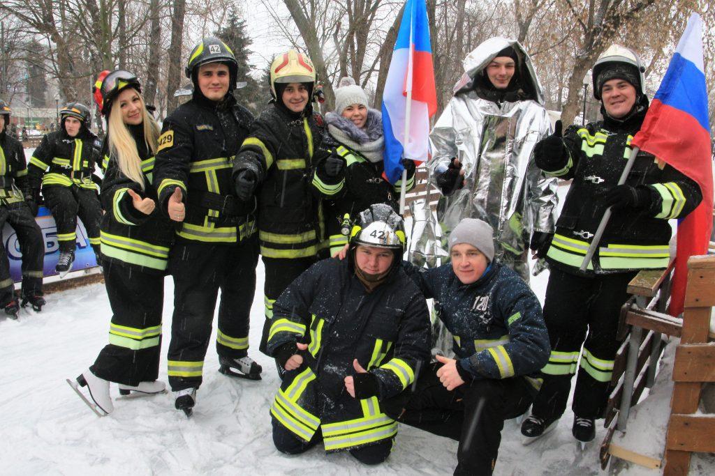 Сотрудники экстренных служб Новой Москвы поучаствовали в пожарно-спасательном флешмобе