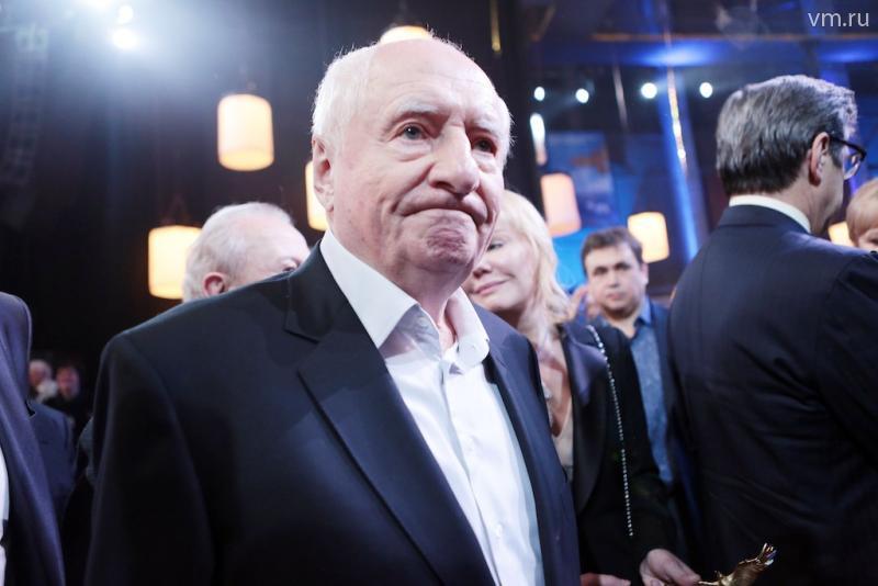 Марк Захаров заступился за выехавшего на тротуар директора Ленкома