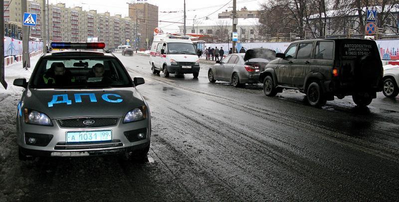 ДТП с участием трамвая и такси произошло в Москве