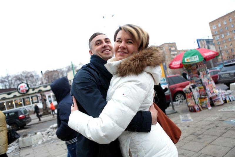 """Клиент должен предоставить информацию о возможных рисках, так как реакция на поцелуй незнакомого человека может быть неожиданной Фото: """"Вечерняя Москва"""""""