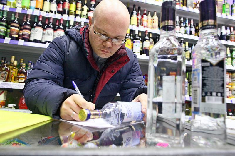 Пункты незаконной торговли алкоголем выявили в столице